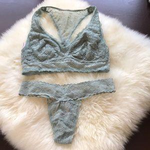 NWT Victoria's Secret green Bralette Panty set!